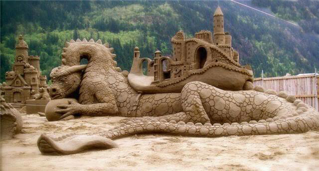 water-dragon-sand-castle-from-facebook-post
